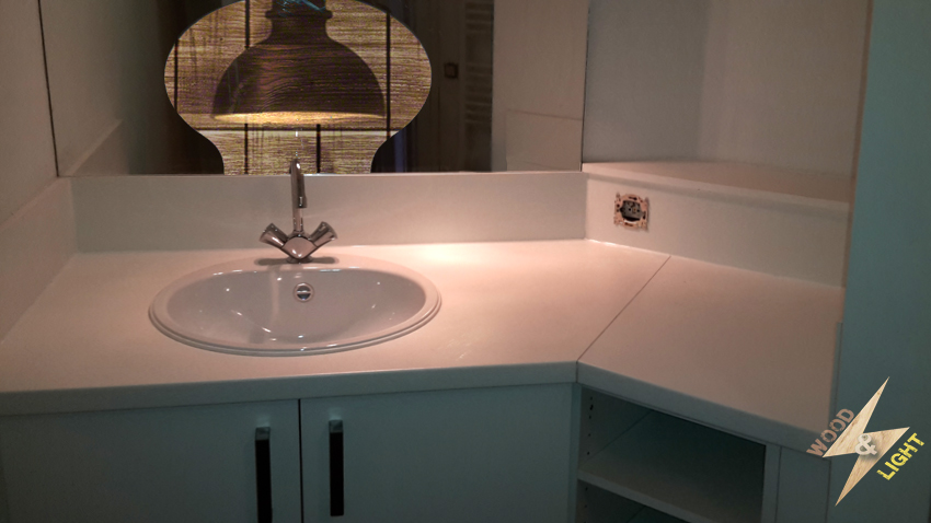 Salle de bain sur mesure bois armoire - Wood and Light